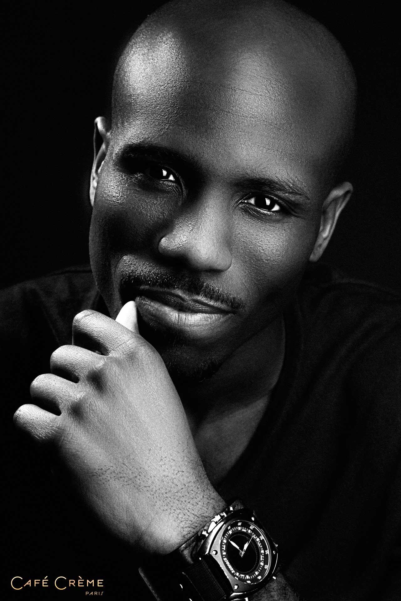 Shooting photo homme photographe professionnel mode homme - Encadrement portrait noir et blanc ...